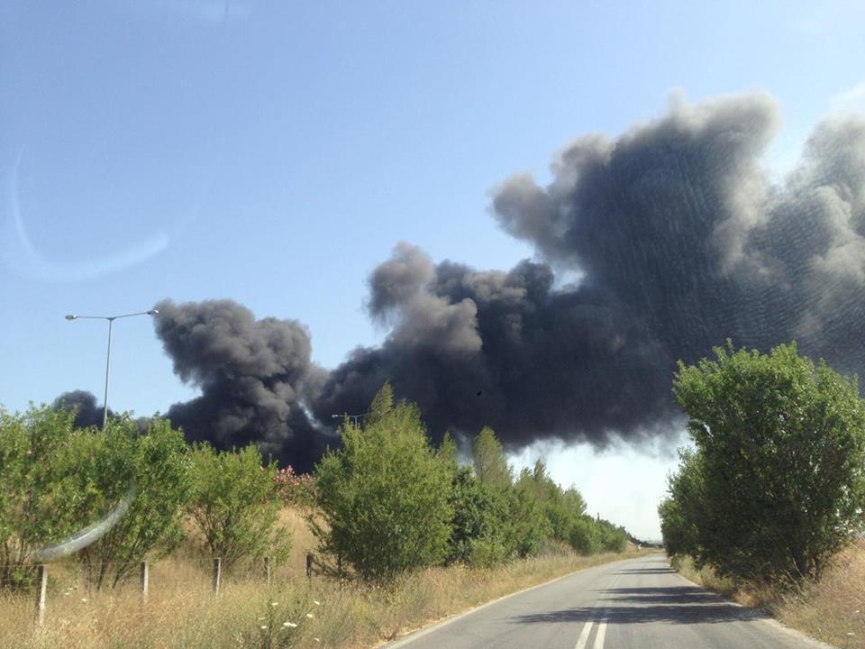 φωτιά εργοστάσιο1